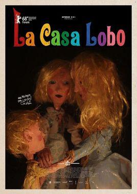 Cartel oficial en español de: La casa lobo