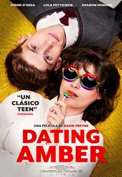 Cartel oficial en español de: Dating Amber
