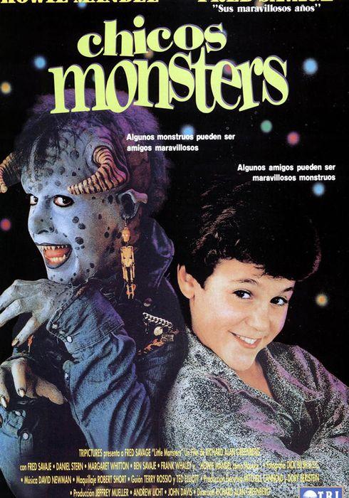Cartel oficial en español de: Chicos Monsters