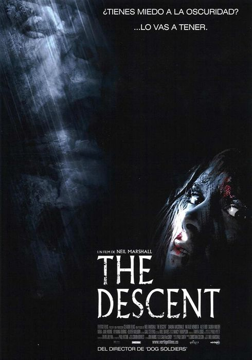 Cartel oficial en español de: The descent