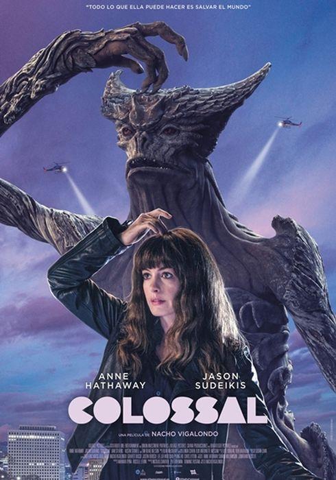 Cartel oficial en español de: Colossal