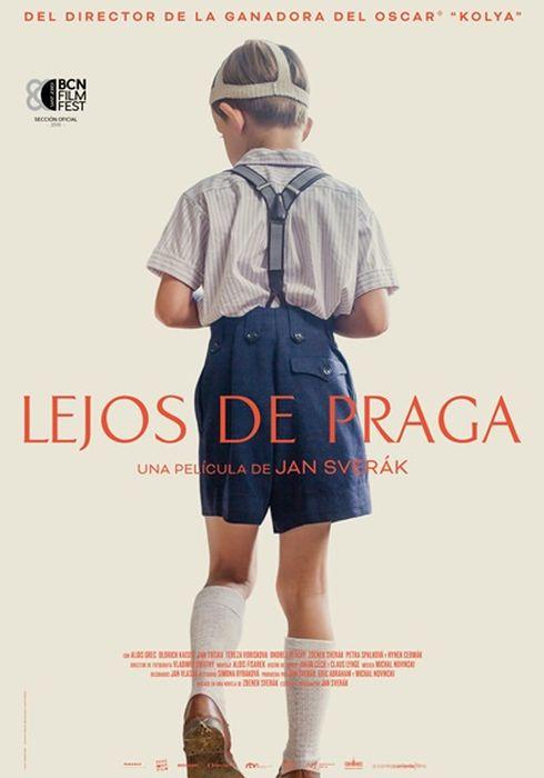 Cartel oficial en español de: Lejos de Praga