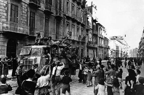 """Imagen de """"Los cuatro días de Nápoles"""" 5"""