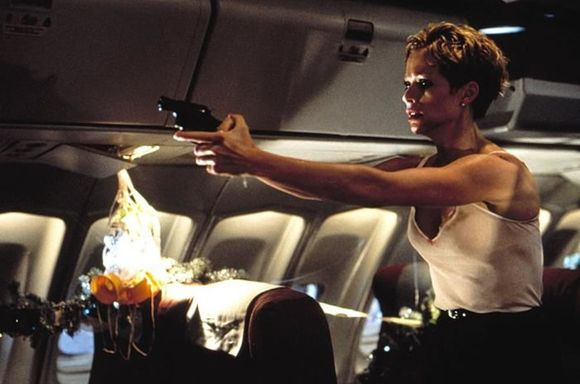 """Imagen de """"Turbulence: Abróchense los cinturones"""" 16"""