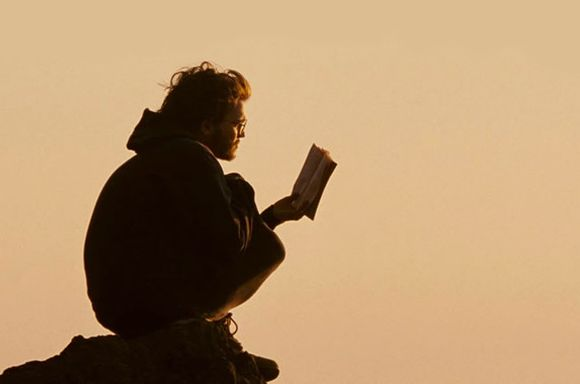 Chris McCandless (Emile Hirsch)