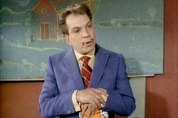 Profesor Sócrates García (Cantinflas)