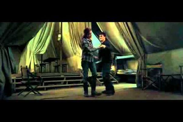 Harry Potter y Las Reliquias de la Muerte - Baile Harry y Hermione